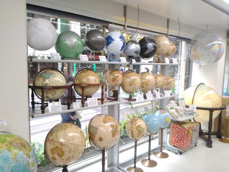 150種以上の地球儀がある