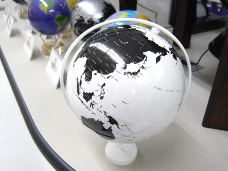 国境線がない地球儀