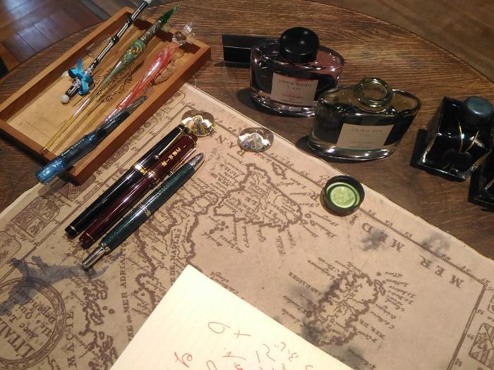 ペンやインク