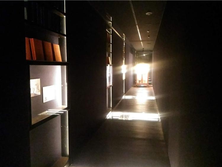 東洋文庫ミュージアムの回顧の路