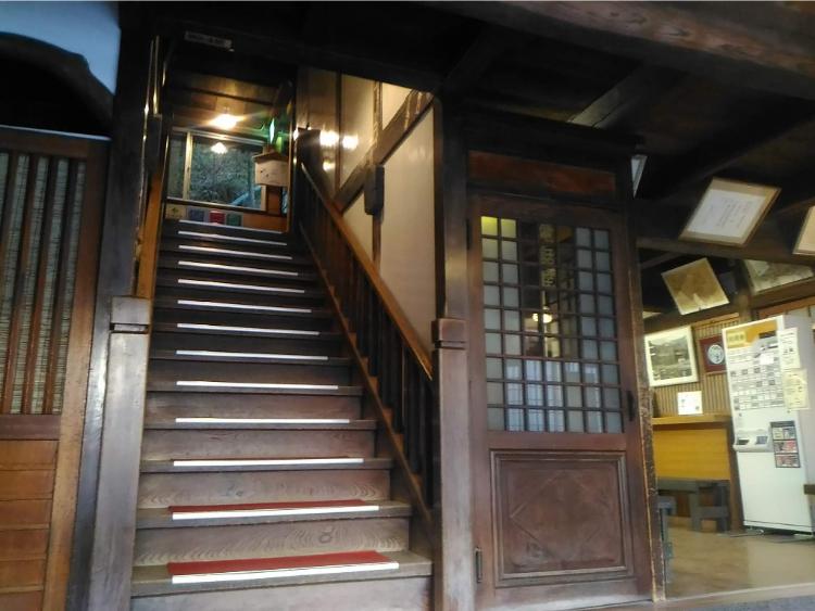 積善館の入口