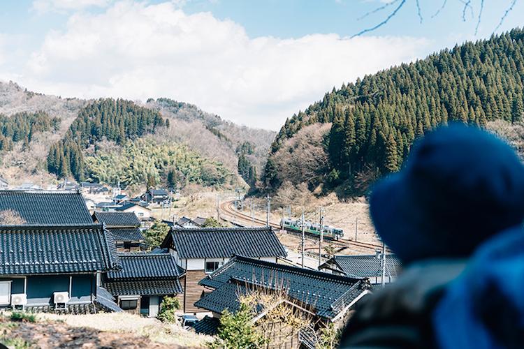 富山県小矢部市安楽寺